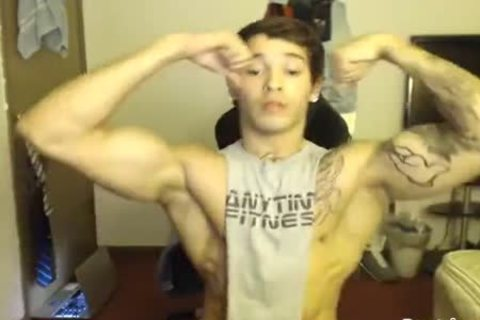 Muscle bpy gay porno Free Muscle Gay Male Videos At Boy 18 Tube
